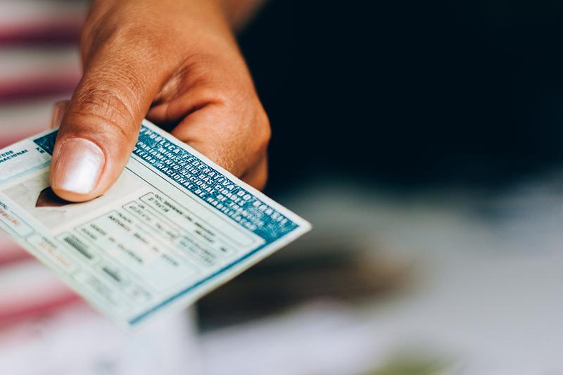 Quais documentos são necessários para alugar um carro em Gramado?